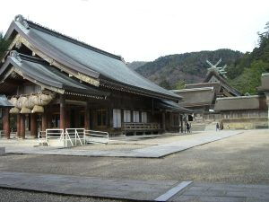 The worship hall and then mail hall of a shinto shrine, both very large and in a style uninfluenced by Chinese buddhism.